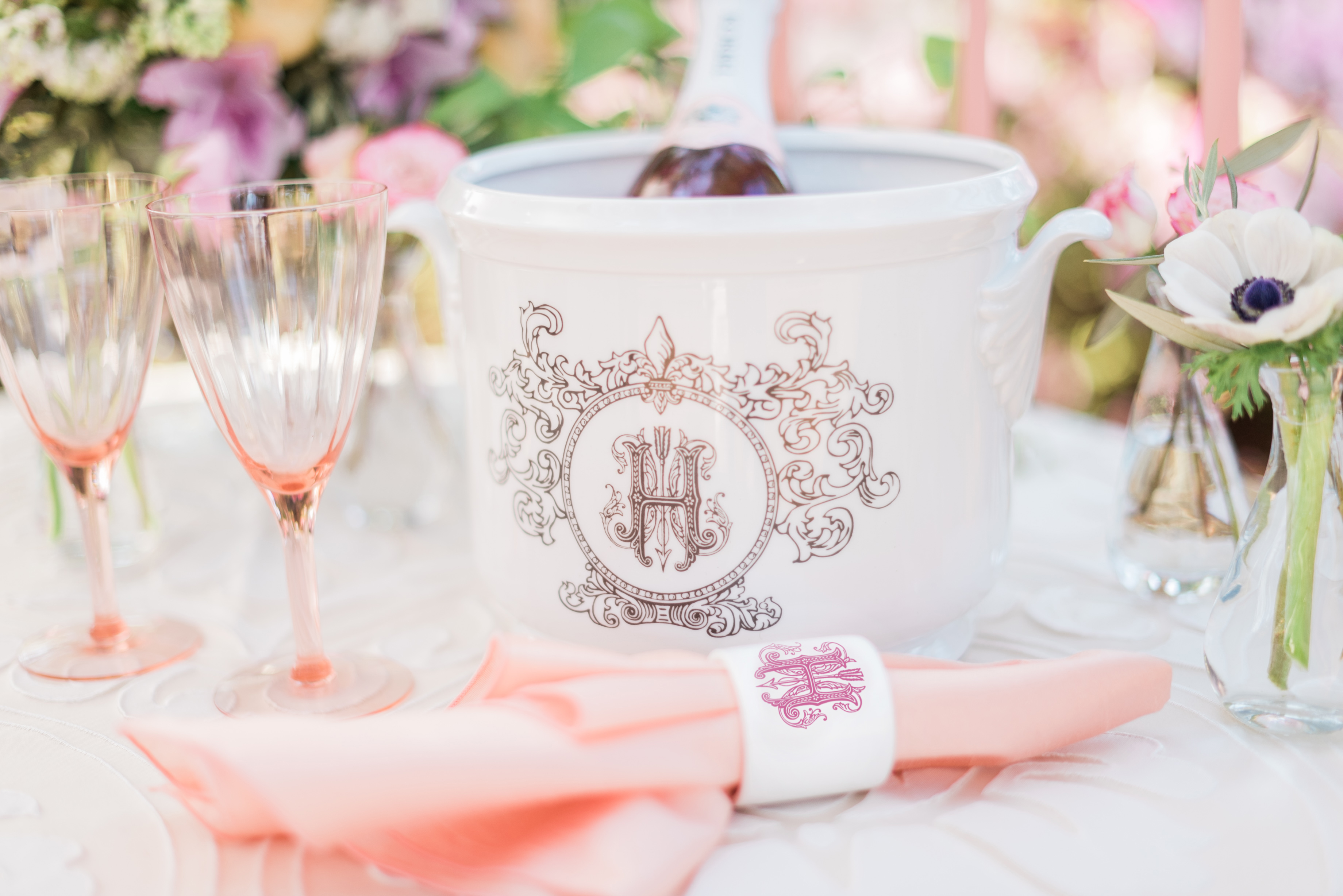 While A Sweetheart Table Is One Way To Incorporate Wedding Registry, An  Entire Head Table Would Also Be Perfect! If You Have A Large Wedding Party,  ...